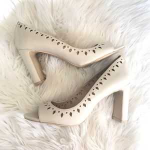3/$30  DKNY peep toe pumps stacked heel 8